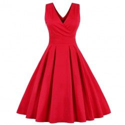 Red vintage dress swing shape with sharp V-neckline